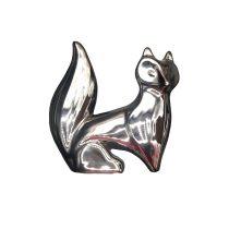 مجسمه روباه بزرگ نقره ای نشسته