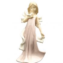 مجسمه چینی دختر صورتی